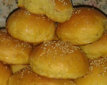 بالفيديو طريقة عمل خبز البرجر بعجينة البطاطا إليكم الوصفة مكتوبة